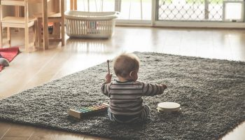 «Присмотри за малышом, пока ему год не исполнится. А то мы не спим», — как мне хотели «подарить» племянника