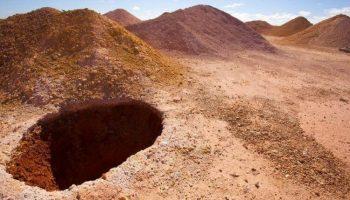 Загляните в подземный город в Австралии, где живут 2 000 человек…