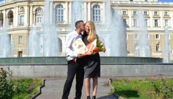 Оксана родила мужу здоровых пятерняшек, а он ушел от нее