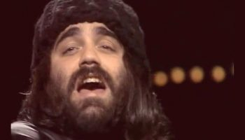 Песня на все времена: Великолепный Demis Roussos и его «From Souvenirs to Souvenirs»