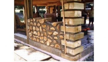 Берем обычные дрова и строим из них шикарный тёплый дом!