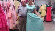 Ее муж за 56 лет брака купил 55 тысяч платьев