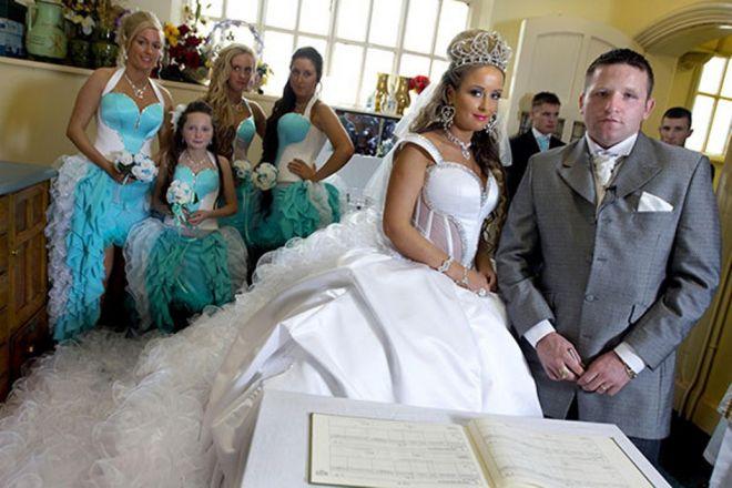 испугало платье невесты