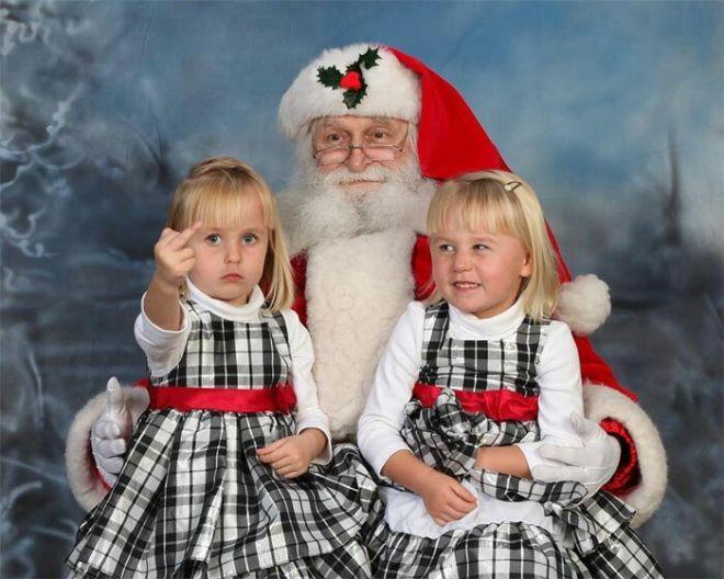 11. Не все дети любят фотографироваться с Санта Клаусом
