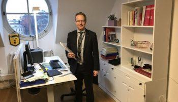 Шведские депутаты не имеют ни ассистентов, ни авто, ни даже пенсий: как живут «бедные» слуги народа