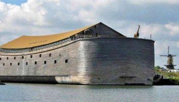Нидерландский плотник построил полномасштабную копию Ноева ковчегаи теперь хочет плыть в Израиль