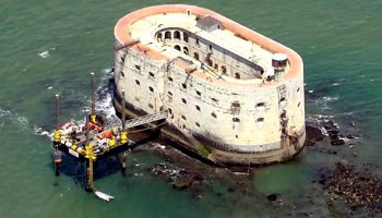 А вы знаете какая самая загадочная крепость в Атлантическом Океане?