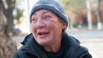 Мать бросила своего сына еще в роддоме, но узнав, что он разбогател, пришла требовать деньги. Он оказался не промах