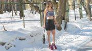 Жительница Тольятти Галя Кутерева ходит зимой в шортах и босоножках, в 57 лет выглядит на 30