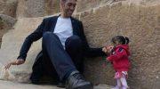 Самая маленькая женщина и самый высокий мужчина в мире встретились на фотосессии в Египте