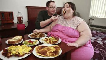 Женщина весом 345 килограмм вышла замуж и счастлива в браке