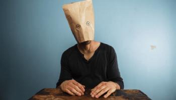 Людская глупость – залог крепкой экономики: 5 шагов к отупению населения