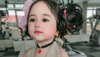 Пока люди не увидели ее маму, они не верили в естественную красоту этой девочки