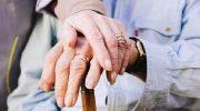 Сижу у мамы в больнице. Рядом лежит бабуля, лет под 90…