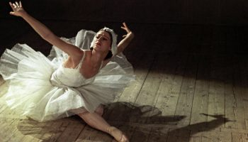 Завораживающий танец неподражаемой Майи Плисецкой