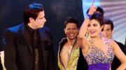 Потрясающий Джон Траволта танцует с очаровательной Приянкой Чопра индийский танец