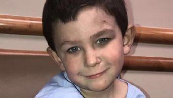 5 летний мальчик спас из горящего дома 2-х летнюю сестричку и вернулся за собакой