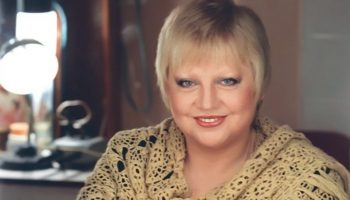 Гениальной Светлане Крючковой уже 70! Предсказание цыганки, отношение к наградам и другие факты об актрисе