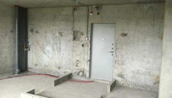 Евродвушка с необычной планировкой получилась из бетонной коробки в 32 кв метра