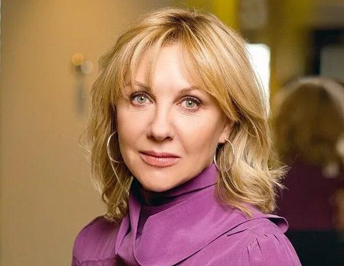 Елена Яковлева призвала бороться с матом в спектаклях