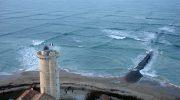 Если вы наблюдаете на море «квадраты», нужно срочно вытаскивать всех и вся из воды!