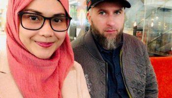 Невероятно красивые доченьки получились у папы шведа и мамы из Малайзии