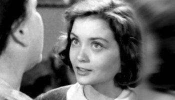Жанне Болотовой 77: как сегодня выглядит и живёт звезда фильма «Дом, в котором я живу»