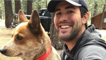 Врача от депрессии спас пес из приюта
