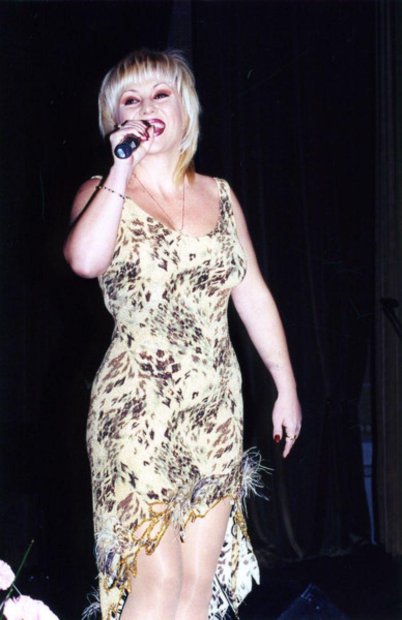 На пике карьеры певица оставила большую сцену