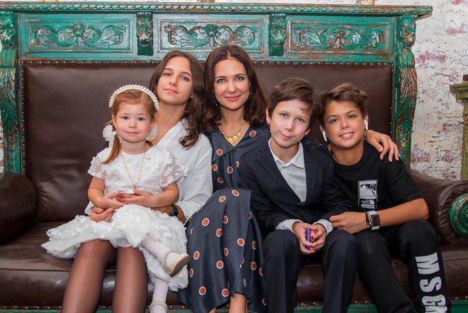 Екатерина Климова показала новую стрижку 4-летней дочери