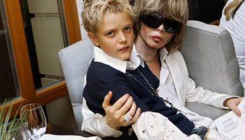Спустя 25 лет разлуки, риемный сын Сергея Зверева нашел биологическую мать