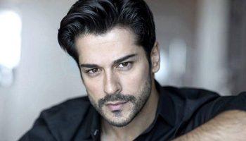 Самый красивый актер Турции — Бурак Озчивит, показал свою семью