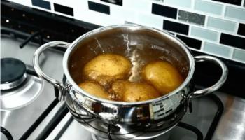 Мне 35 лет и оказалось, что я неправильно варила картошку всю жизнь