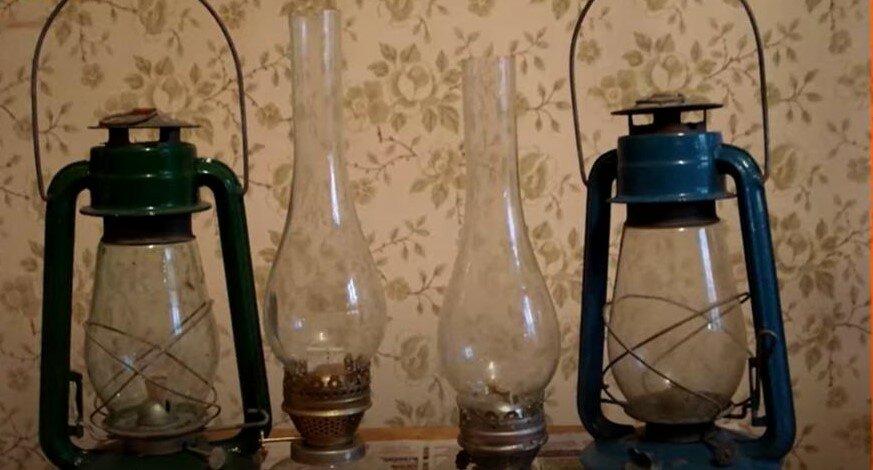 Керосиновые лампы и фонари. Такая форма светильников популярна до сих пор, их используют для декора и фото сессий.