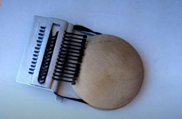 Машинка для штопки чулок - из арсенала модниц и бережливых хозяек.