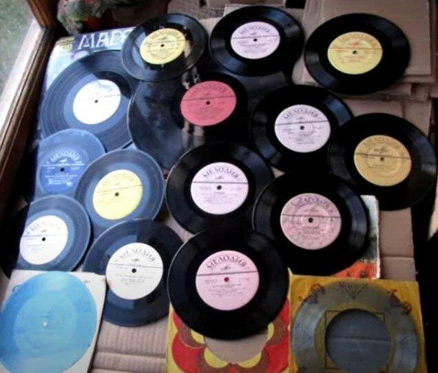 Коллекция пластинок - у каждого в доме была своя.