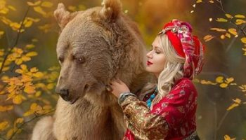 С медведем Степаном хотят позировать модели со всего мира