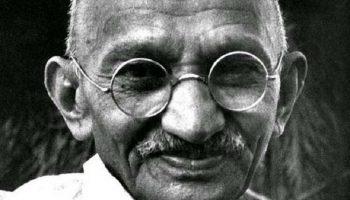 Все это придумали сами люди! Ганди: «У Бога нет религии»
