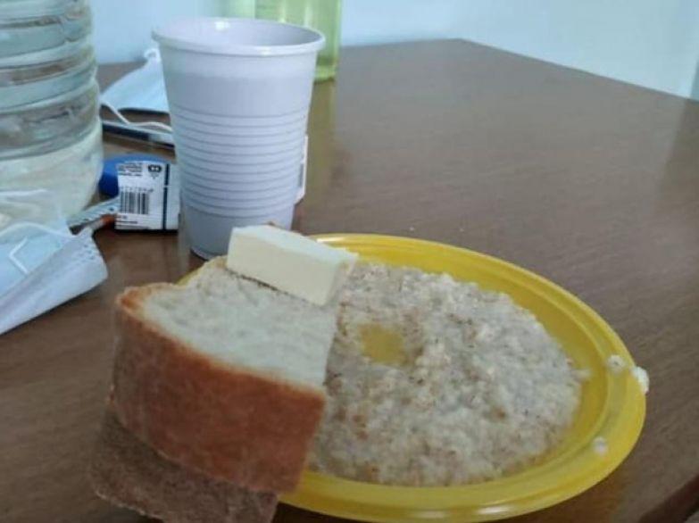Еду в больнице приносили в пластиковой посуде