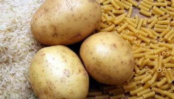 В магазине, хорошо одетый мужчина обратился ко мне: «Девушка, я 4-ро суток без еды, купите мне картошки»