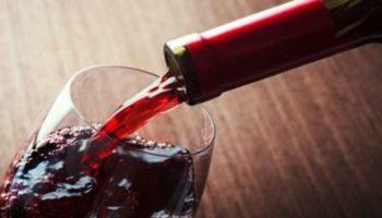 Ученые доказали, что бокал красного вина приравнивается к 1 часу занятий спортом