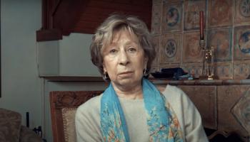 Как живет замечательная актриса, 82-летняя Лия Ахеджакова, которая вышла замуж за мужчину на 20 лет моложе