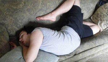 20 доказательств того, что для сна подойдёт любое место, если спать очень хочется